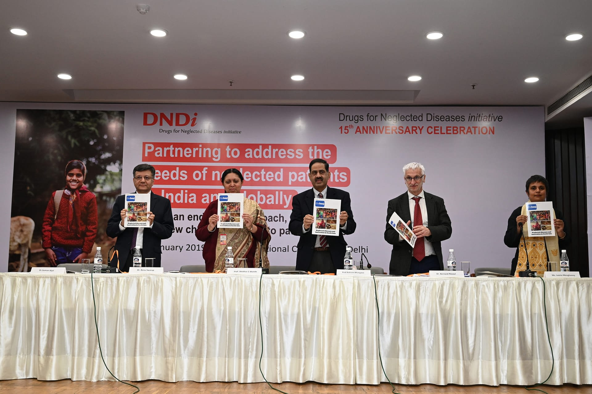 Dr Suman Rijal, Director, DNDi in India; Dr Renu Swarup, Secretary, DBT; Prof. Balram Bhargava, Secretary, DHR and DG, ICMR; Dr Bernard Pécoul, Executive Director, DNDi; and Leena Menghaney, Head, South Asia, MSF Access