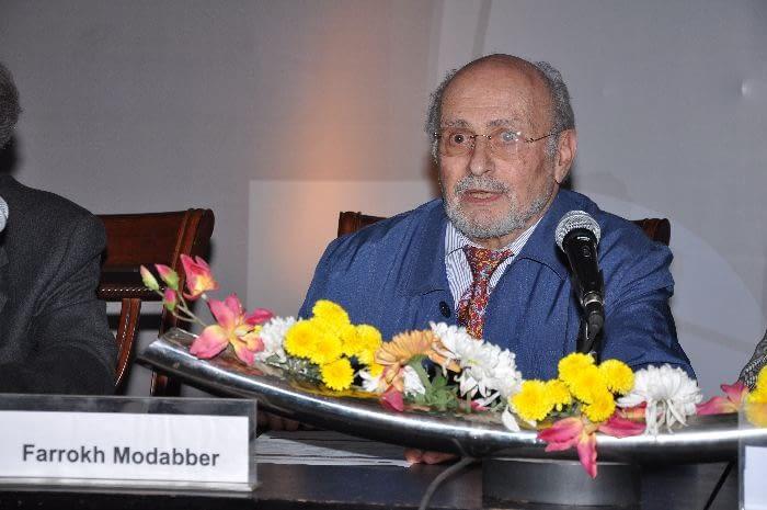 Dr. Farrokh Modabber, Senior Advisor for Leishmaniasis, DNDi, co-chairing Session 3 (Advocacy for access & sustainability of the model)