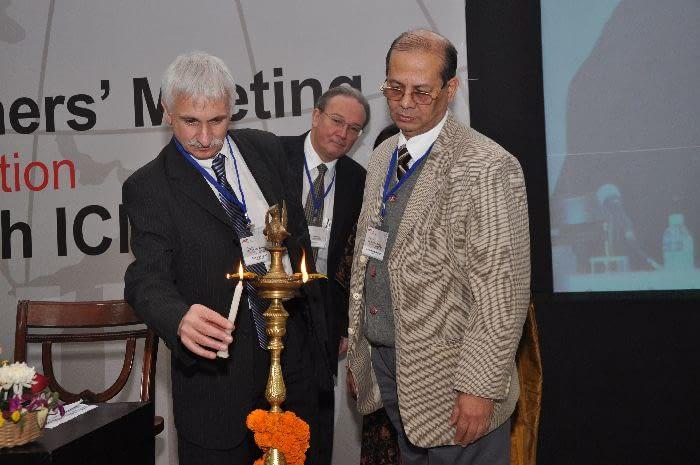 Opening ceremony – Lightening ceremony - Dr.V.M. Katoch, Dr. Bernard Pécoul, Dr. Marcel Tanner