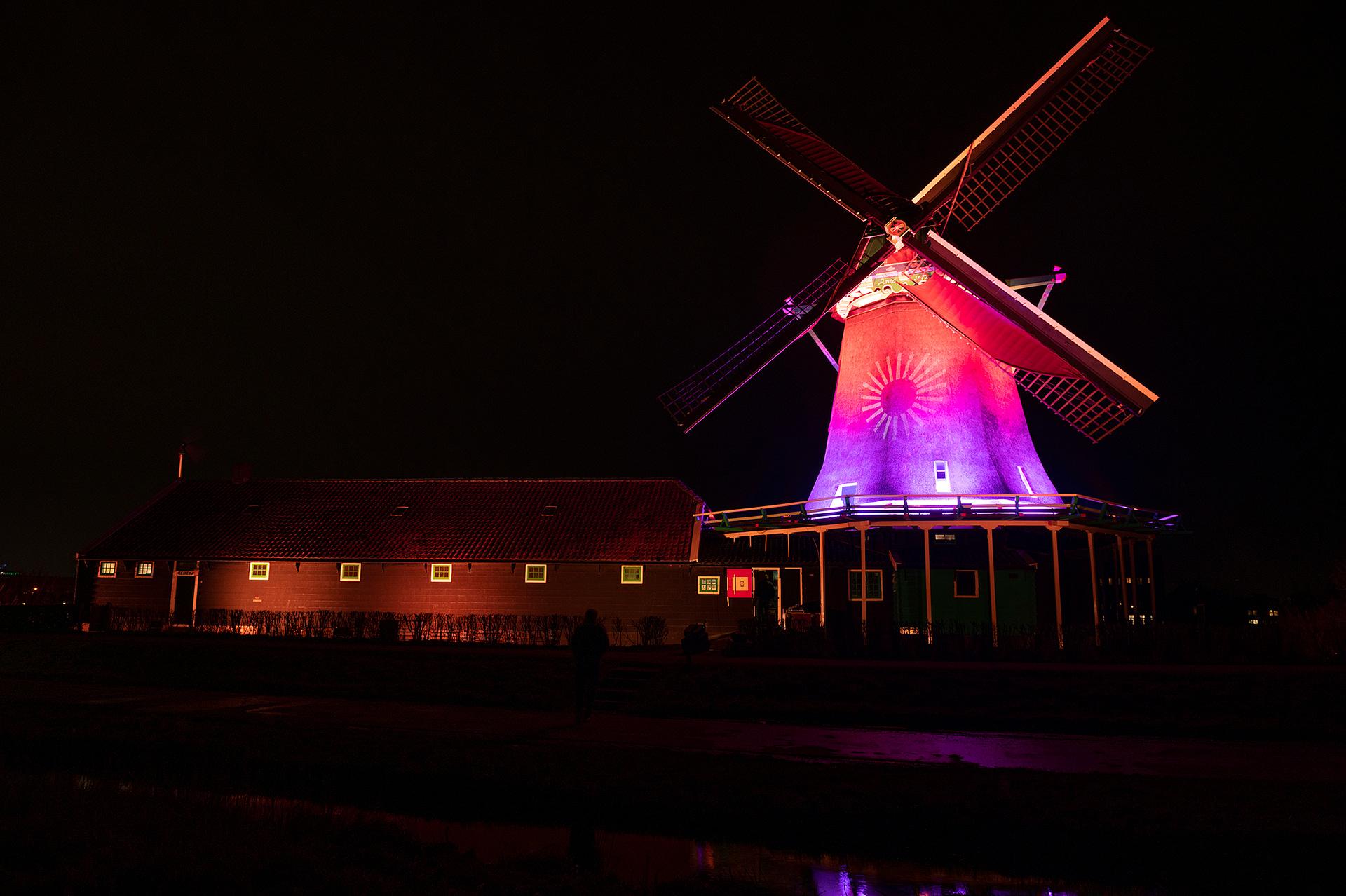 Old Mill de Zoeker, Zaanstad, Netherlands by Ron Koffeman