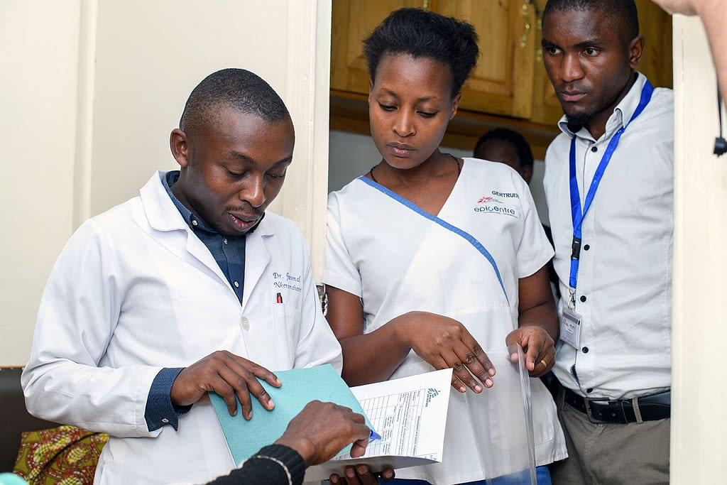 Healthworkers in Uganda at the start of the LOLIPOP trial