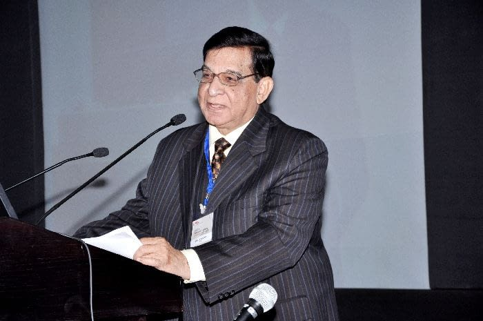"""Announcement of DNDi's """"Success Stories"""" of the Year - Shiv Dayal Seth, Member of DNDi Scientific Advisory Committee"""